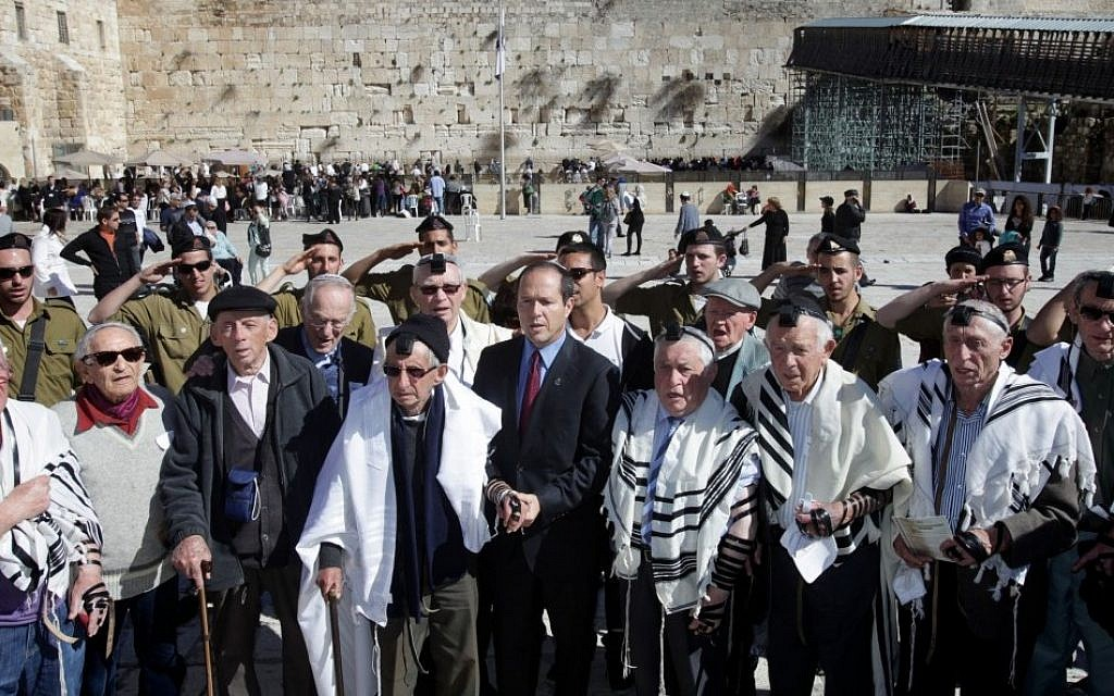 Jerusalem Mayor Nir Barkat with Holocaust survivors who celebrated their belated bar mitzvah at the Western Wall, February 4, 2013. (Photo credit: Yossi Zamir/FLASh90)