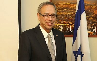 Minister Joe Oliver in Israel, May 2013 (photo credit: Mati Milstein/courtesy Canadian embassy)