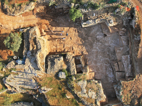 The quarry, seen here from above, is located adjacent to the north Jerusalem neighborhood of Ramat Shlomo (photo credit: Skyview/Courtesy of the Israel Antiquities Authority)