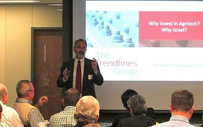 Trendlines CEO Steve Rhodes speaks at an agritech roadshow event in St. Louis (Photo credit: Courtesy)