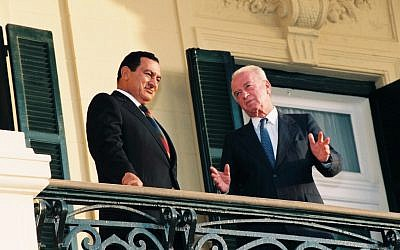 The late Israeli prime minister Yitzhak Rabin together with the Egyptian president Hosni Mubarak in the president's palace in Alexandria, Egypt. September 19, 1993. Photo by Yossi Zamir/Flash90