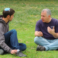 "Gould with Nativ director Yossi Garr. He said he didn't wear his kippah all the time in Israel, commenting, ""sometimes I just forget to put it on."" (Courtesy Nativ)"