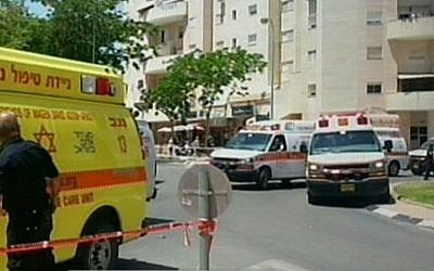MDA ambulances at the scene of a Beersheba bank robbery, Monday (photo credit: Channel 2 screen capture)