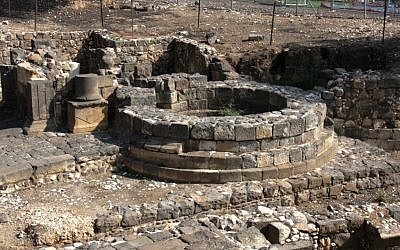Round Roman tower (photo credit: Shmuel Bar-Am)
