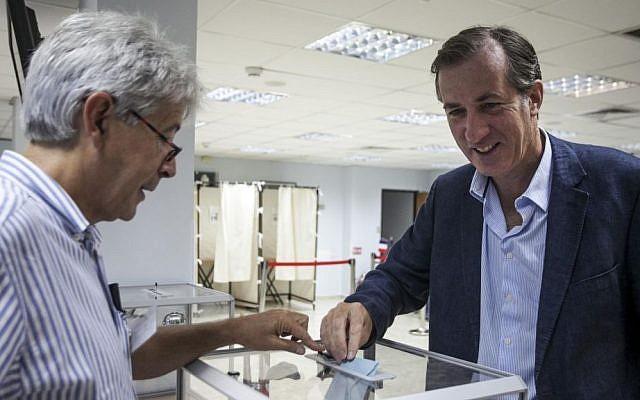 French Ambassador Christophe Bigot, voting in Tel Aviv, May 26, 2013. (photo credit: courtesy French embassy)