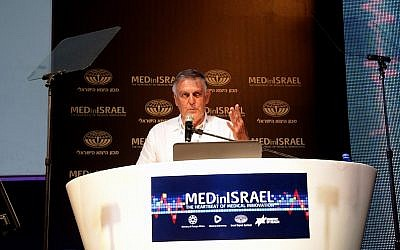 Professor Dan Shechtman speaks at the MedInIsrael conference (Photo credit: Courtesy)