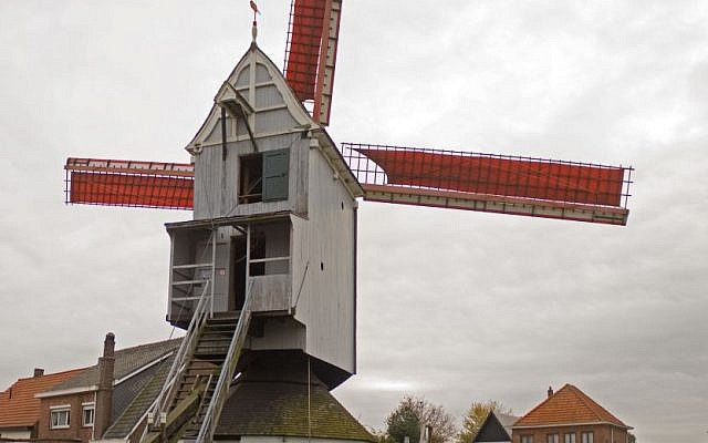 The Aartselaar windmill. (photo credit: CC BY Johan Bakker, Wikimedia commons)