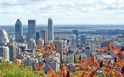View of the Montreal skyline (CC BY-montroyaler/Flickr)