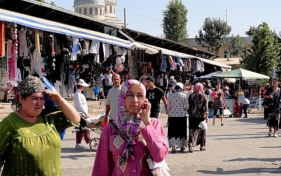 A market in Tashkent (photo credit: CC BY-travelourplanet.com/Flickr)