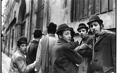 Alécio de Andrade, 'Rue Pavee,' 1975 (photo credit: Musée d'Art et d'Histoire du Judaisme)