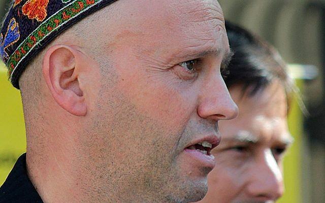 Argentinian Rabbi Sergio Bergman. (Photo credit: CC-BY Fernando Carrizo, Wikipedia)