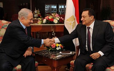 Israeli Prime Minister Benjamin Netanyahu meets with Egyptian then-president Hosni Mubarak at Sharm el Sheikh, May 11, 2009. (photo credit: Moshe Milner/Flash90)