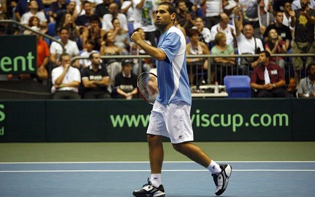 Andy Ram of Israel in the Davis Cup World Group quarterfinal doubles tennis match between Israel and Russia, in 2009. (photo credit: Uri Lenz/Flash90)