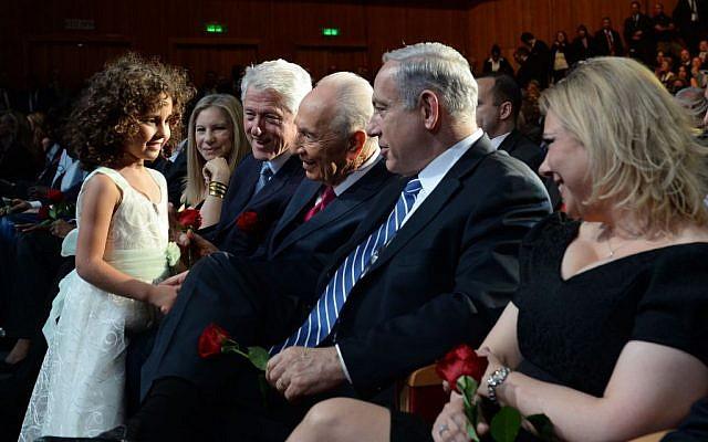 Shimon Peres and his granddaughter (photo credit: Kobi Gideon/Flash 90)
