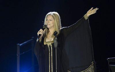 Jewish-American singer Barbra Streisand in concert at Bloomfield Stadium in Tel Aviv, on June 20, 2013. (Yonatan Sindel/Flash90)