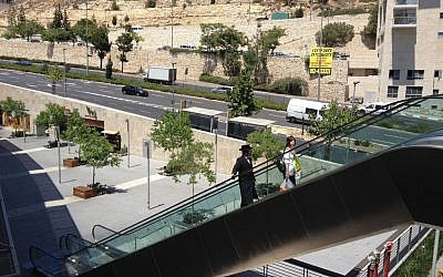 A view of the Ramot Mall and the major artery that leads to and from the shopping center (photo credit: Jessica Steinberg/Times of Israel)
