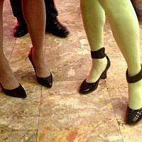 It's all about the legs and the shoes (photo credit: Sarah Tuttle-Singer/Times of Israel)