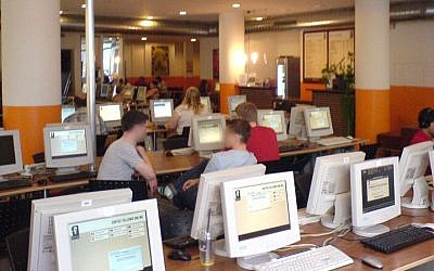 Illustrative photo of an internet cafe (photo credit: CC BY SA, by McZusatz, Wikimedia Commons)