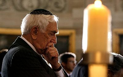 Sen. Frank Lautenberg attending a Holocaust memorial ceremony in the US Capitol Rotunda, May 1, 2008. (photo credit: Chip Somodevilla/Getty)
