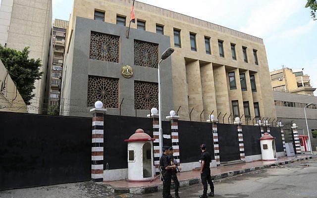سفير السودان يعود للقاهرة شهرين Mideast-Egypt-Syria_Horo-640x400.jpg