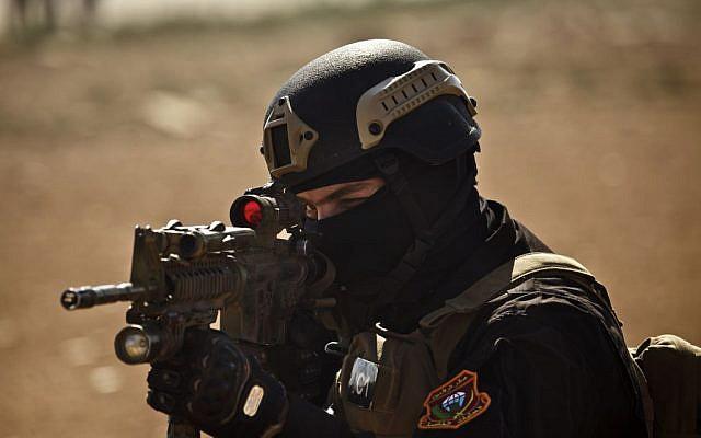 An Iraqi counterterrorism soldier in a multinational military exercise in Zarqa, Jordan, Monday, June 17, 2013. (AP/Maya Alleruzzo)
