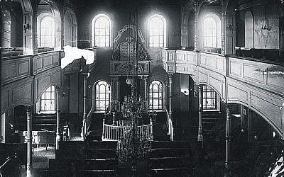 An interior view of the Main Synagogue (photo credit: courtesy Dan Ben-Canaan)