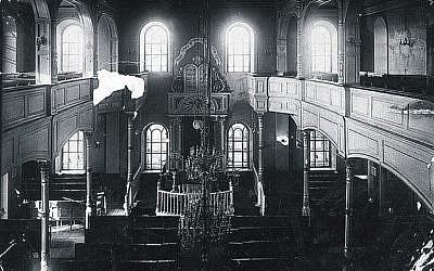 An interior view of the Main Synagogue (photo credit: courtesy Dan Ben-Canaan)