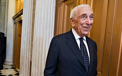 In this 2012 file photo, US Sen. Frank Lautenberg, D-N.J., walks in the Capitol after the final votes before a five-week recess. (photo credit: AP Photo/J. Scott Applewhite, File)