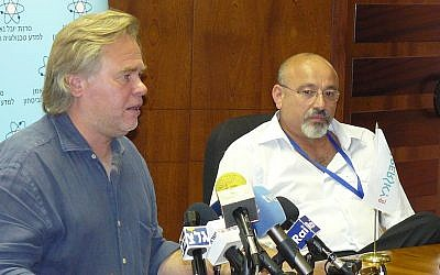 Eugene Kaspersky (left) and Yitzhak Ben Yisrael at the Third Annual International Cyber Security Conference of Tel Aviv University's Yuval Ne'eman Workshop on Wednesday (Photo credit: Courtesy)