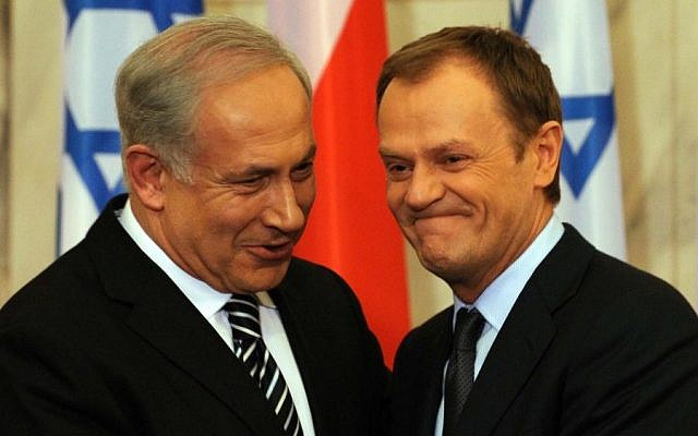 Prime Minister Benjamin Netanyahu (L) and Polish Prime Minister Donald Tusk at a press conference in Warsaw  in 2010. (photo credit: Avi Ohayon/Gpo/Flash 90)