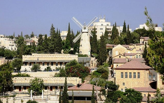 The new windmill at Mishkenot Sha'ananim and Yemin Moshe (photo credit: Shmuel Bar-Am)