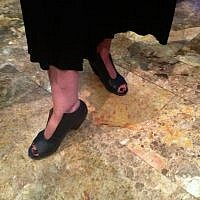 The turn-your-head-chunky-heels on Jo-Ann Mort's feet (photo credit: Sarah Tuttle-Singer/Times of Israel)
