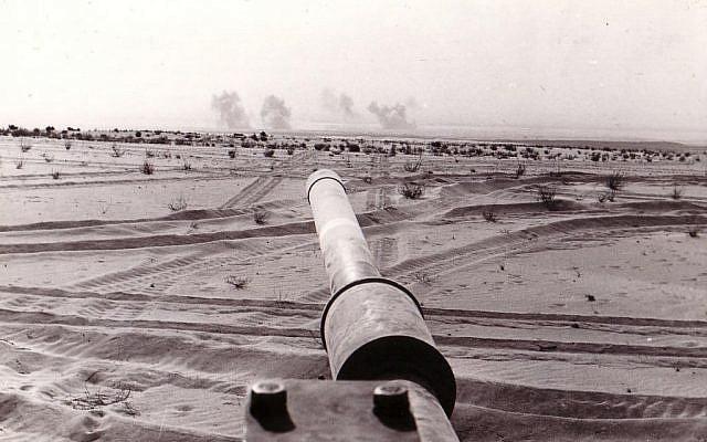The open wars of old. A photo taken from Sakal's tank during the Yom Kippur War (Photo credit: Avi Gur/ courtesy Yad L'shiryon)