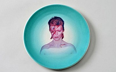 David Bowie on a plate by Yael Vons Yargin (Courtesy Ceramics Biennale)