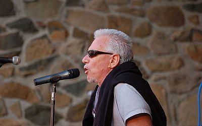 Eric Burdon (photo credit: MitchD50/Wikipedia)