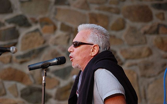 Eric Burdon (photo credit: MitchD50/Wikipedia)