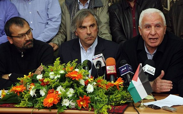Azzam Al-Ahmad (right) during a press conference, January 30, 2011 (photo credit: Issam Rimawi/Flash90)