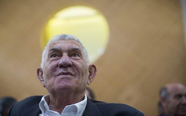 Former Ramat Gan mayor Zvi Bar at the Supreme Court in Jerusalem on July 14, 2013 (Yonatan Sindel/Flash90)