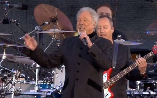 Tom Jones performs at the Queen's Diamond Jubilee Concert in London last year (image capture: YouTube)