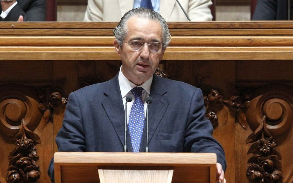 Jose Ribeiro e Castro, who spearheaded the law to naturalize the Jewish descendants of expelled Jews, speaking at the Portuguese parliament. (photo credit: Portugal's National Assembly/JTA)