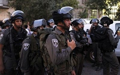 Illustrative photo of Israeli Border Police officers (Flash90)