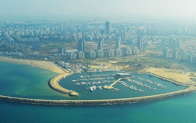 Ashdod Marina (Photo credit: Courtesy Amos Meron/WikiAir Israel)