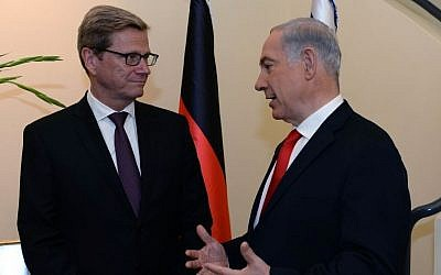 Israel's Prime Minister Benjamin Netanyahu meets with German Foreign Minister Guido Westerwelle at the Prime Minister's residence in Jerusalem, on August 12, 2013. (photo credit: Kobi Gideon / GPO / Flash90)