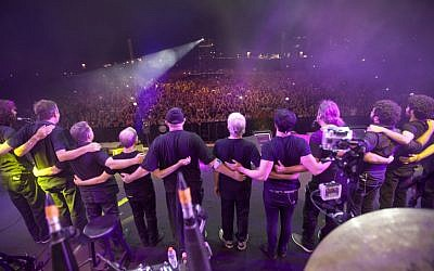 Legendary '70s-era Israeli rock band Kaveret at the group's farewell concert in Tel Aviv on Thursday, August 8 (photo credit: Moshe Shai/Flash90)