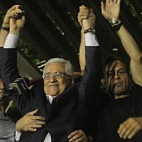 Mahmoud Abbas celebrates the return of released Palestinian security prisoners in August 2013 (photo credit:  Issam Rimawi/Flash90)