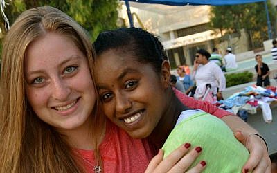 Jeni Rossberg, left, joined Counterpoint Israel for her first-ever trip to the country. (photo credit: courtesy Counterpoint)