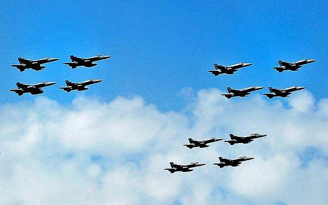 US fighter jets flying in formation. (photo credit: Seaman Andrew Skipworth/US Navy, Department of Defense)