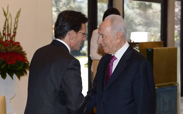 President Shimon Peres with Majority Leader Eric Cantor, who leads a delegation of senior Republican members of the US House of Representatives to Israel, August 13, 2013 (photo credit: Amos Ben Gershom/GPO)