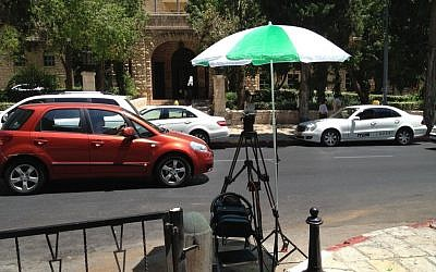 A camera waiting for Tzipi Livni and Saeb Erekat to arrive in front of the King David Hotel (photo credit: Times of Israel)