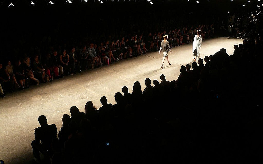 A Yigal Azrouel fashion show; what will the Israeli designer do about this year's conflict between New York Fashion Week and Rosh Hashanah? (photo credit:  Mandiberg/CC-BY-SA-2.0)
